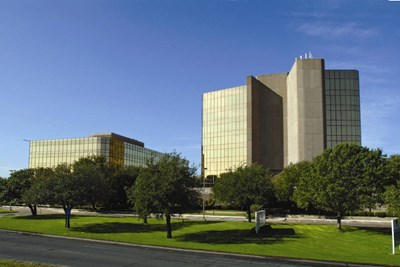 Stemmons Optima Business Park Exterior